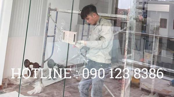 Sửa cửa kính tại Cầu Giấy