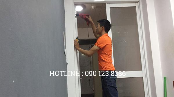 Sửa cửa kính tại Hoàng Mai