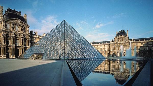 Những công trình kiến trúc với xu hướng sử dụng kính cường lực